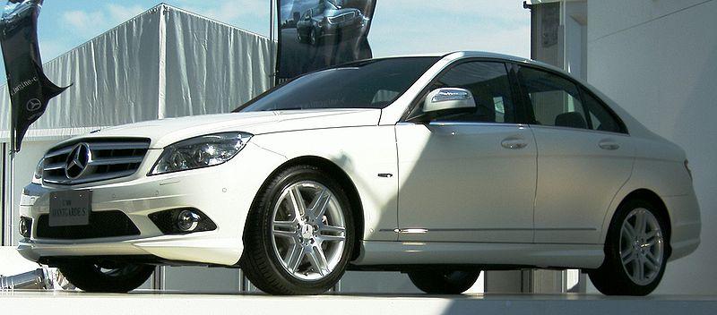 Mercedez-Benz Avant-Garde S, 4-Dr, white